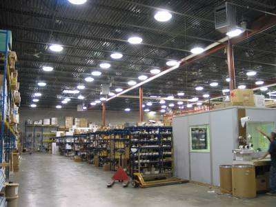 SERVO / STEPPER ASSISTED LIGHTING TECHNOLOGY (S.A.L.T.)™ WAREHOUSE LED LIGHTING