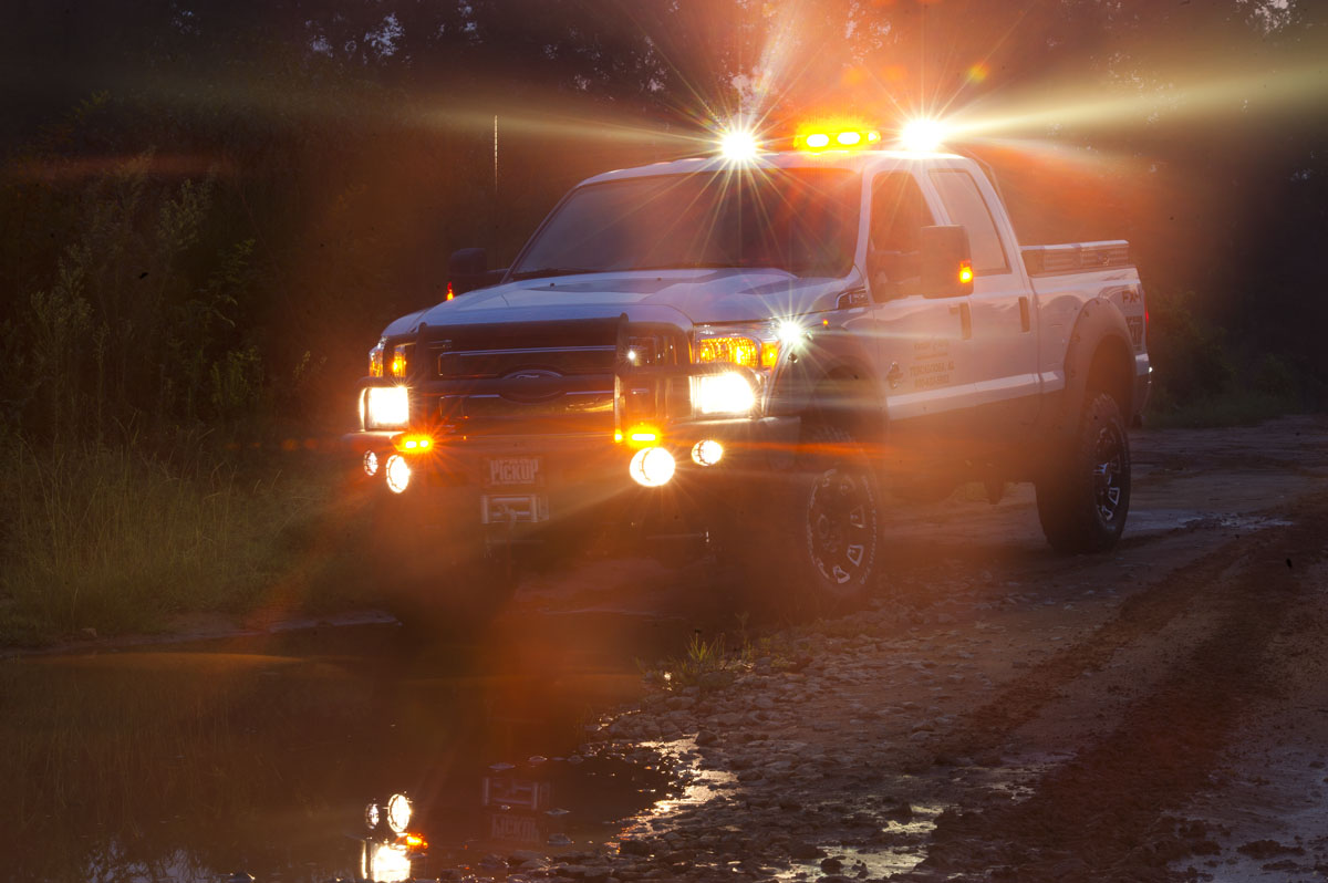 SERVO / STEPPER ASSISTED LIGHTING TECHNOLOGY (S.A.L.T.)™ VEHICULAR OR MOBILE LED LIGHTING